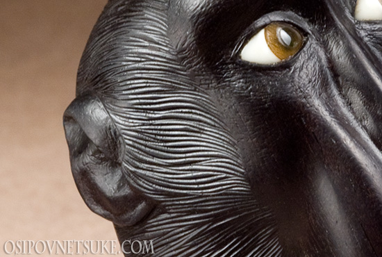 Black macaque mask-netsuke
