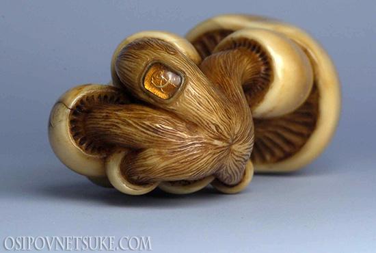 Fungi Netsuke